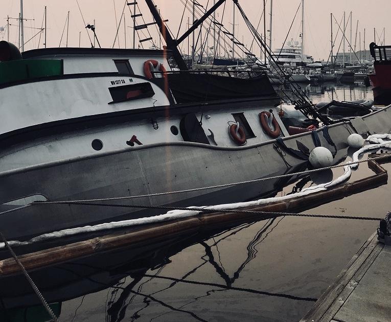 vessel refloat