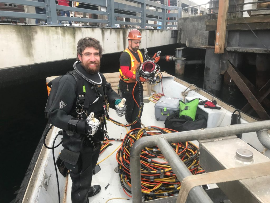 divers piling inspection